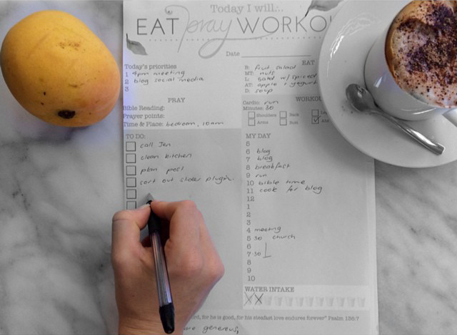 Image-6-Eat-Pray-Workout-Daily-Wellness-planner