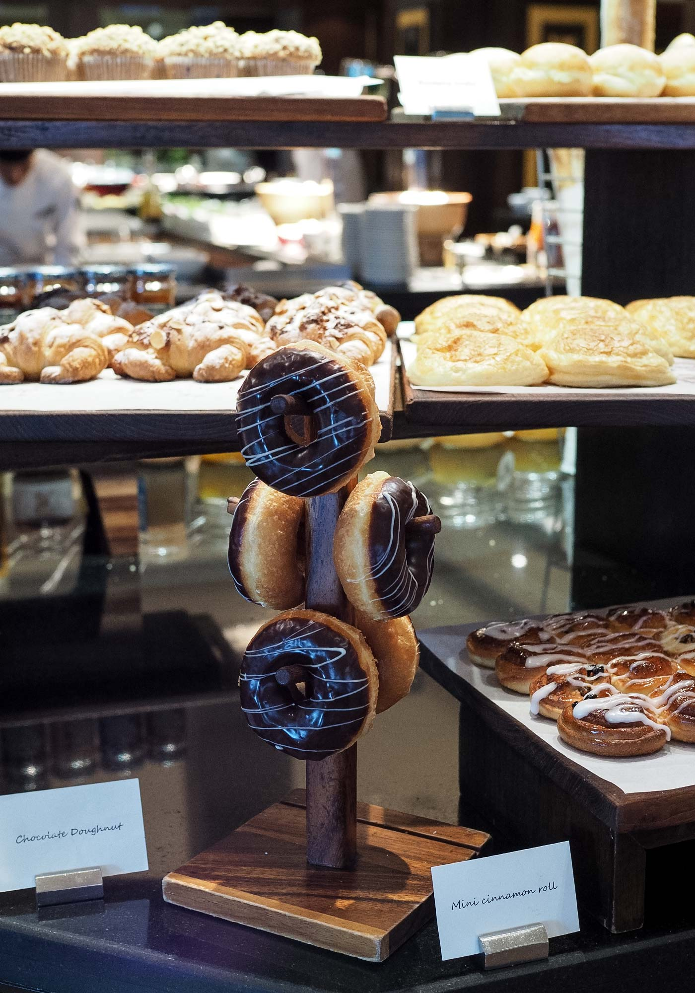 jw_marriott-bangkok-breakfast-donuts