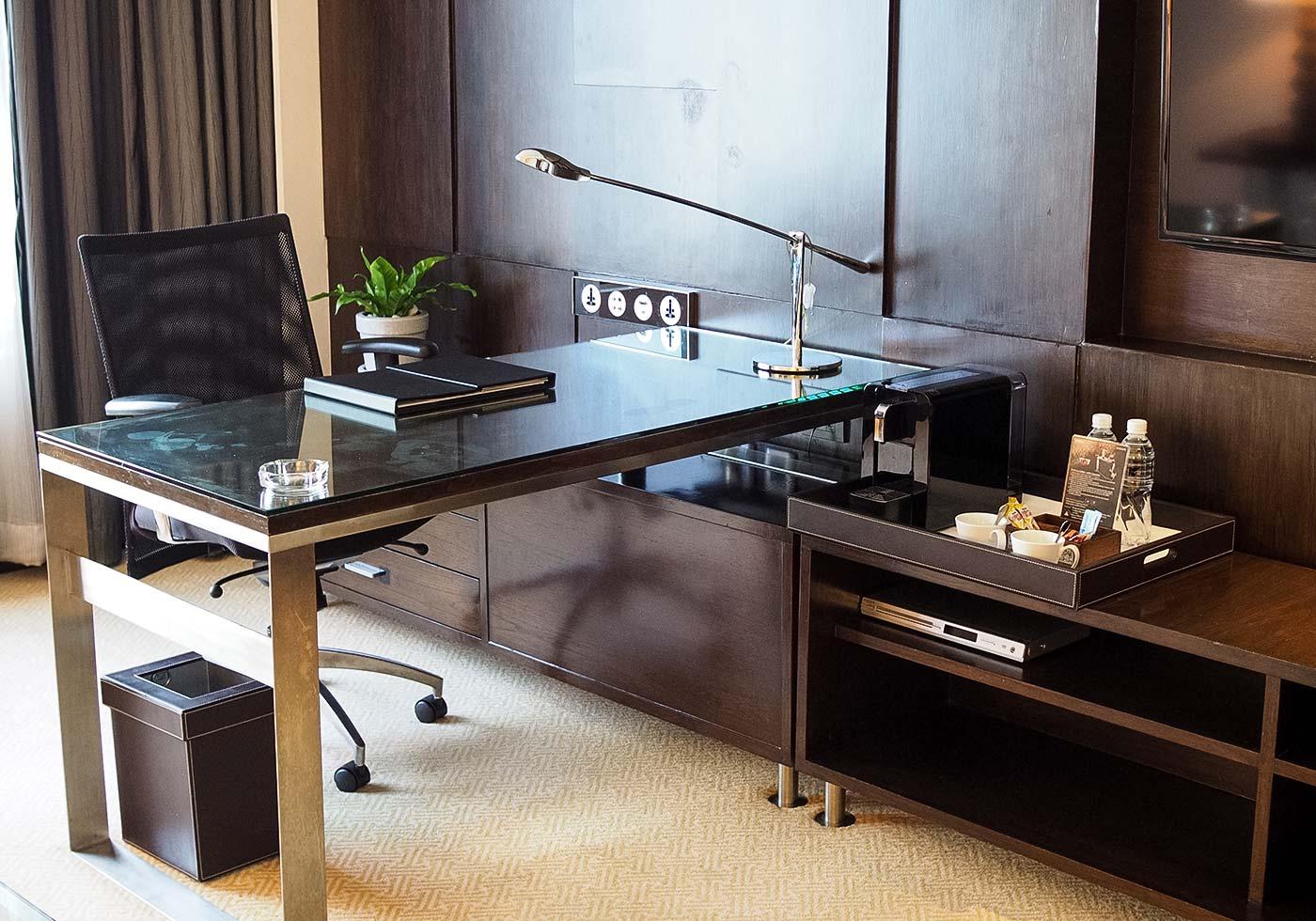 jw_marriott-bangkok-desk