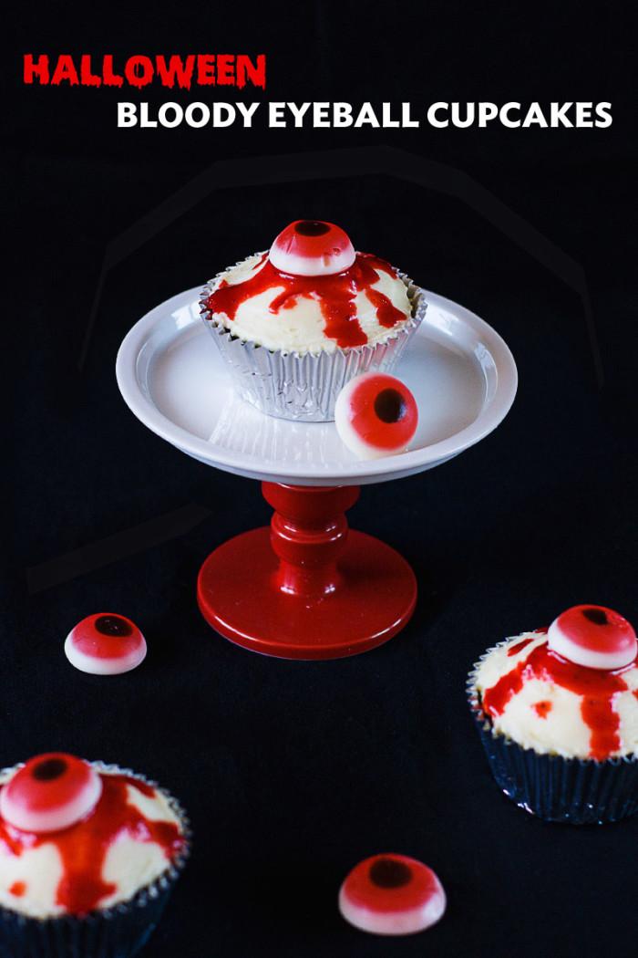bloody-halloween-eyeball-cupcakes