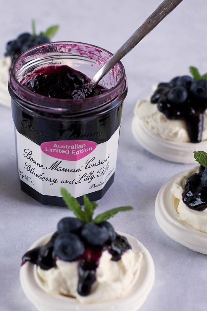 blueberry-lilly-pilly-pavlovas8