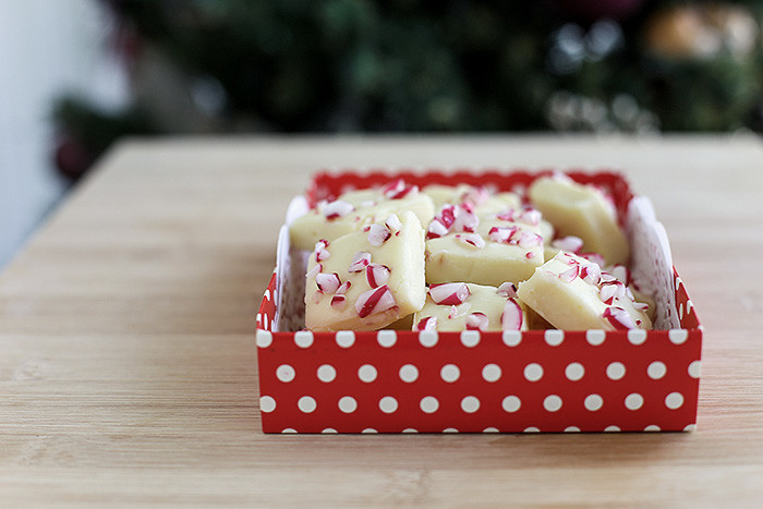 candy-cane-white-chocolate-fudge4