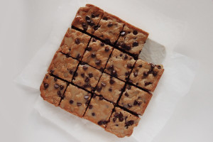 choc-chip-blondies