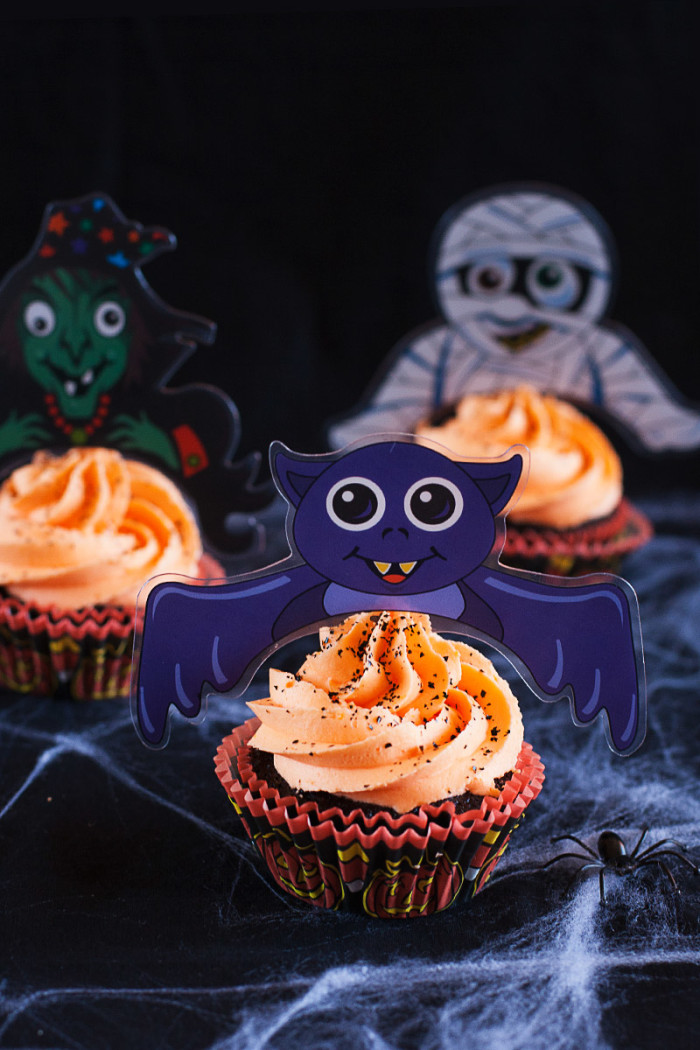 chocolate-orange-halloween-toppers-cupcakes