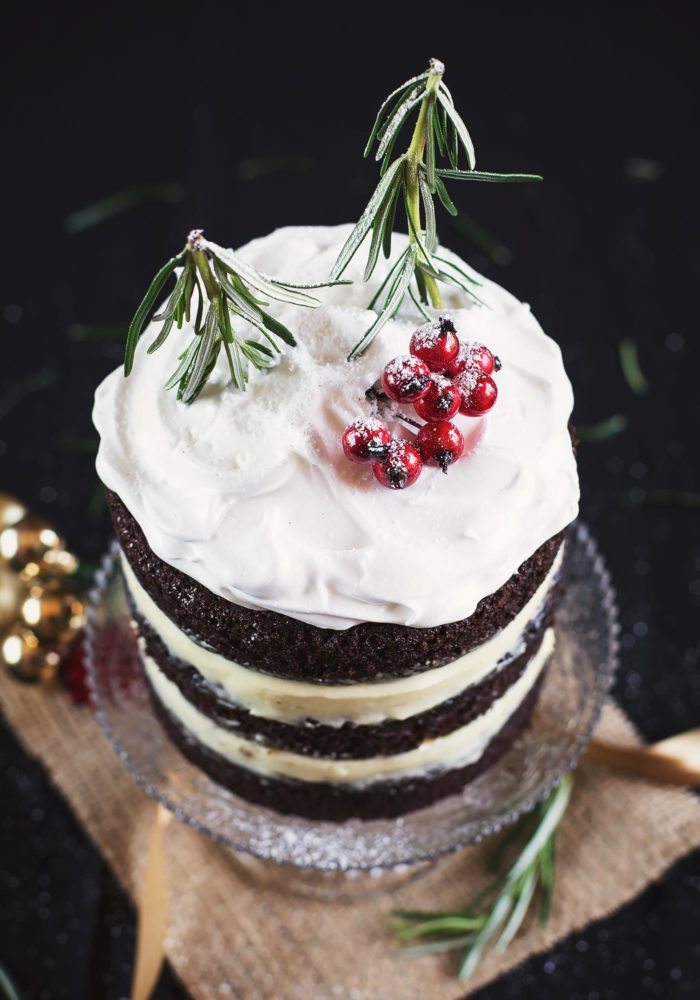 christmas-chocolate-gingerbread-cake-marshmallow-frosting4