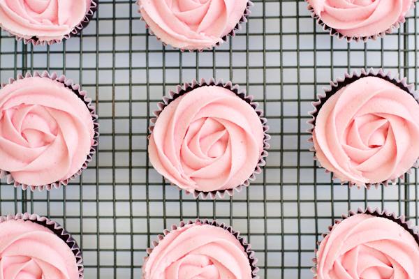 dark-choc-strawberry-cupcakes-3
