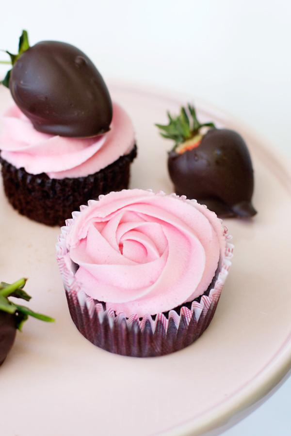 dark-choc-strawberry-cupcakes-7