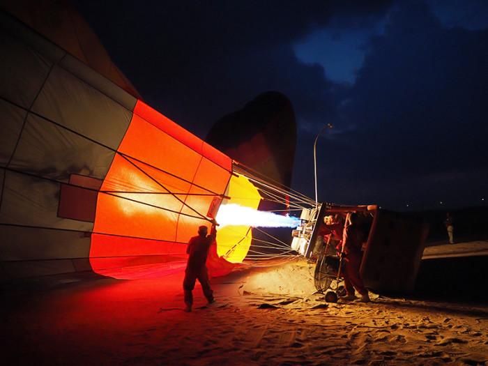 desert-dark-balloon