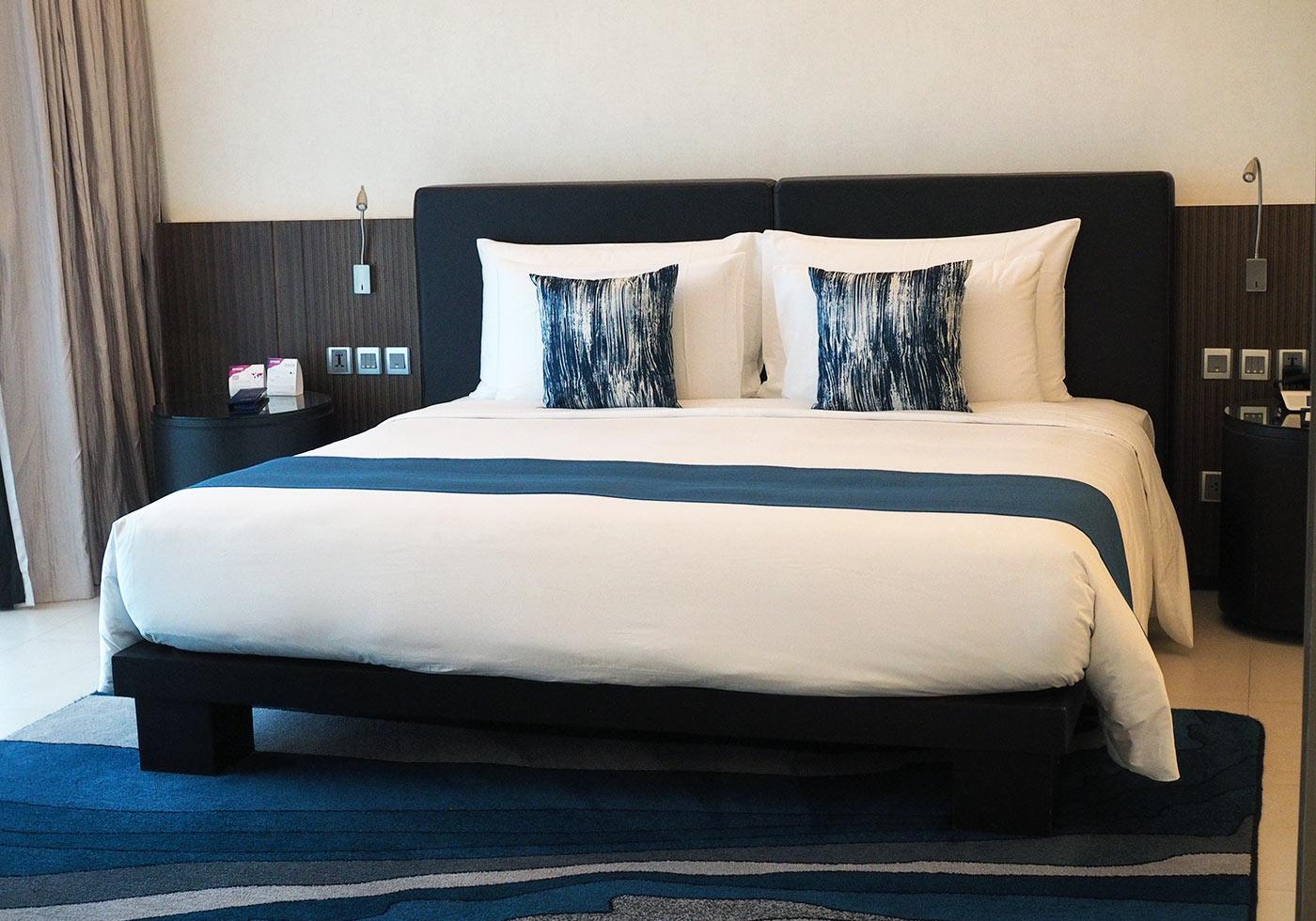 dream-hotel-phuket-bed