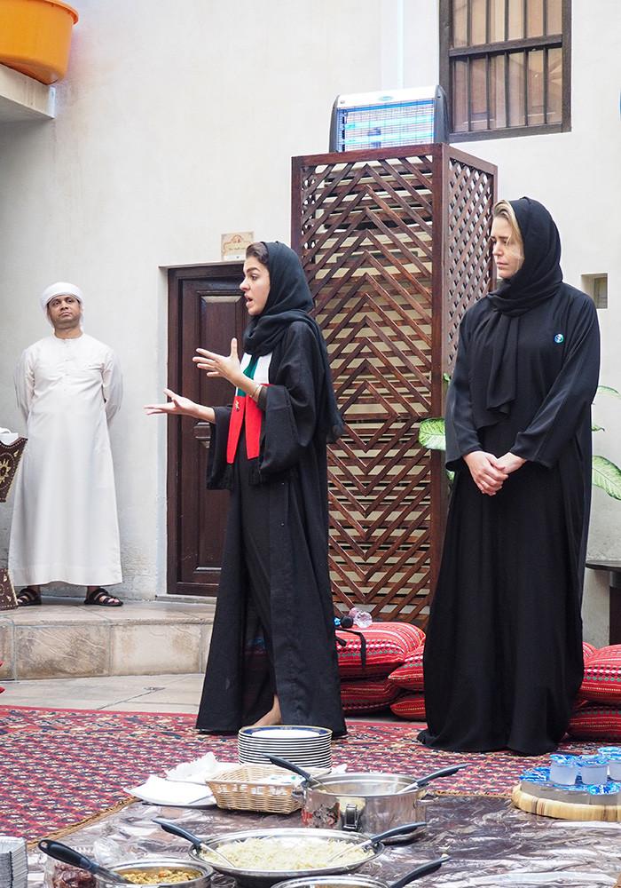 emirati-dress