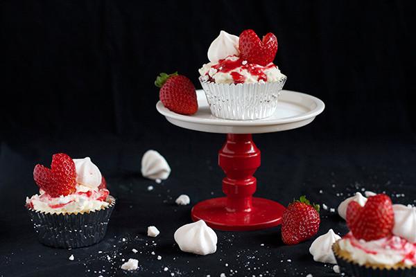 eton-mess-cupcakes2