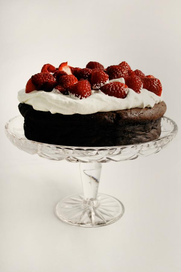 Flourless Chocolate Cake - Love Swah