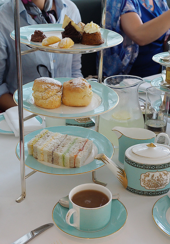 fortnum-mason-high-tea-stand