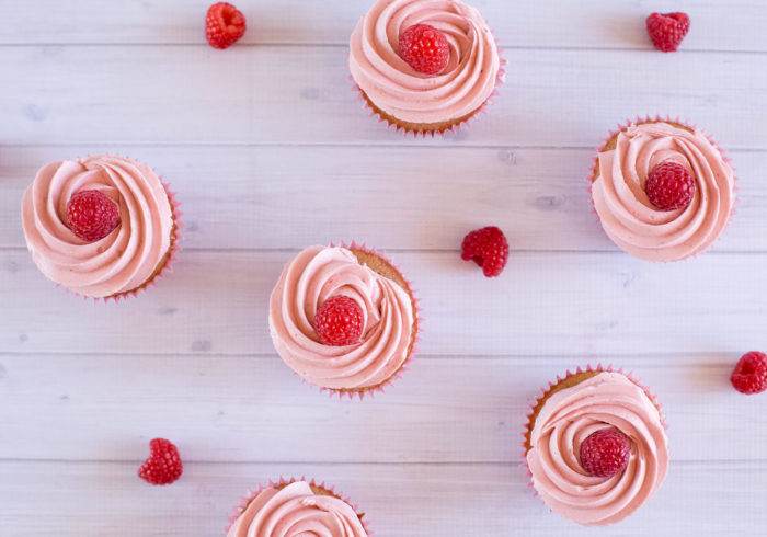 fresh-raspberry-cupcakes14