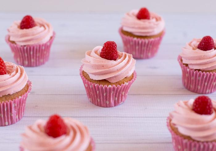 fresh-raspberry-cupcakes3