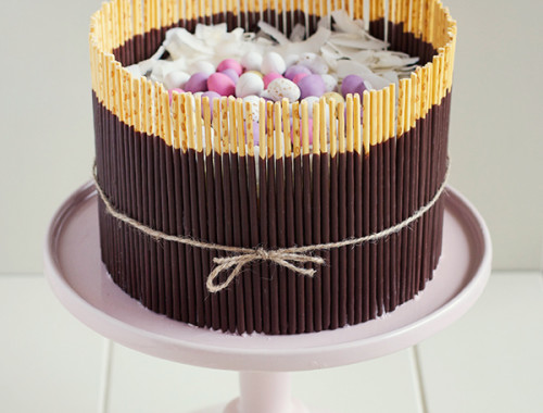 fresh-strawberry-easter-egg-basket-cake