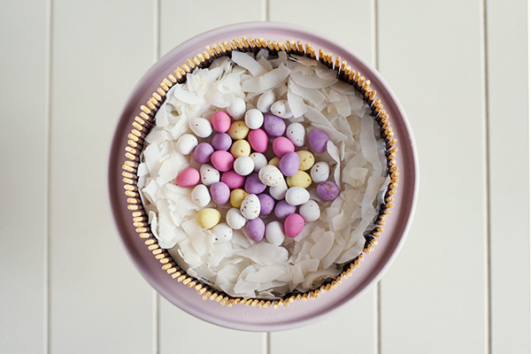 fresh-strawberry-easter-egg-basket-cake2