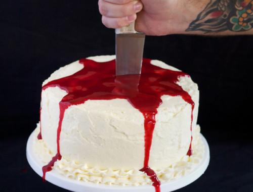 halloween-blood-cake1