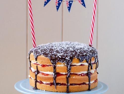 lamington-cake-with-milo-icing