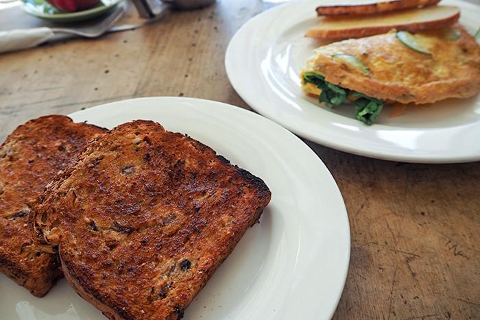 market-street-cafe-toast-eggs
