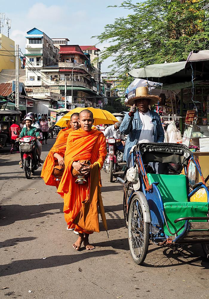 monks-cambodia