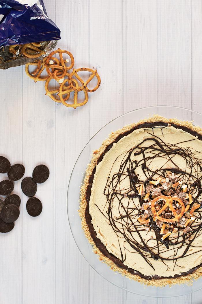 Black Bottom Peanut Butter Pie with a Pretzel Crust - Love ...
