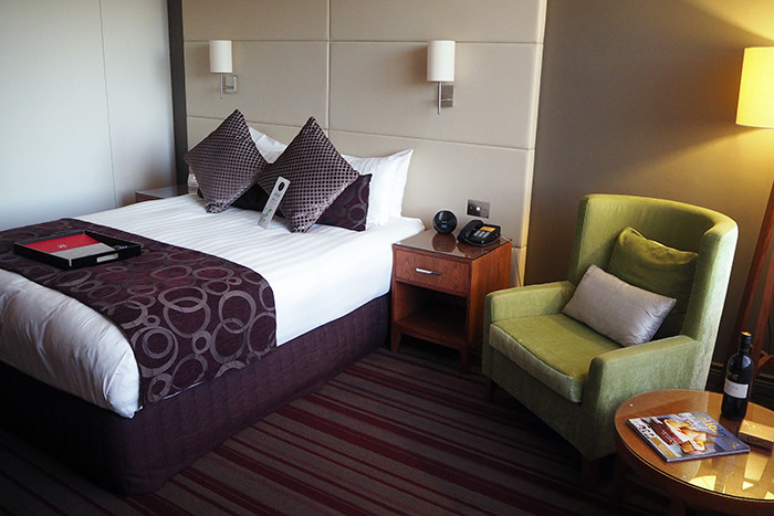 rydges-room
