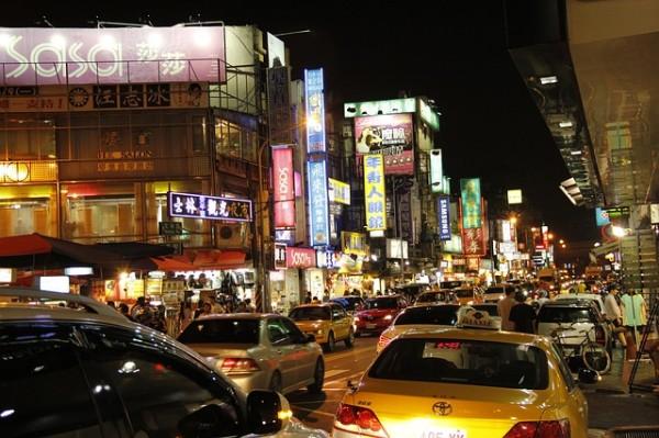 shilin-night-market-680380_640