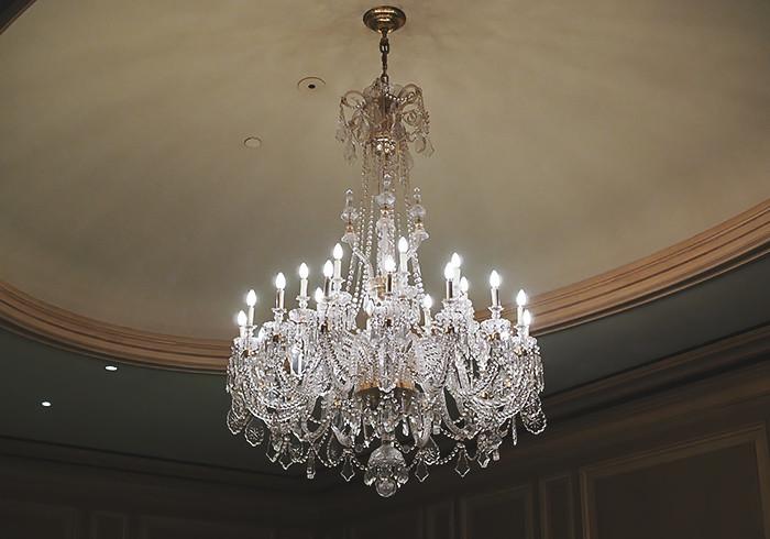 sir-stamford-chandelier