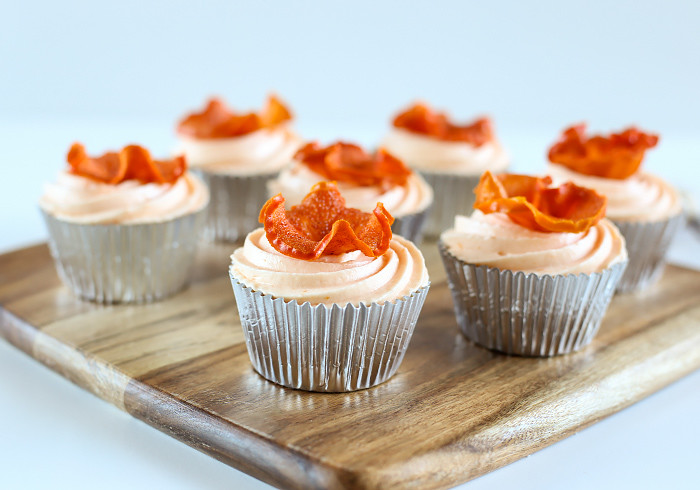 spiced-persimmon-cupcakes-cream-cheese-frosting2