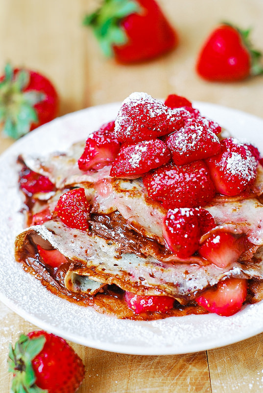 13. Strawberry and Nutella Crepes