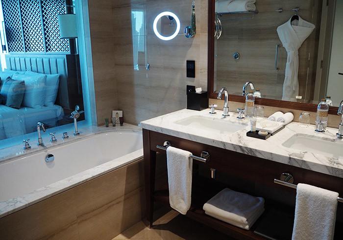 taj-dubai-bathroom2