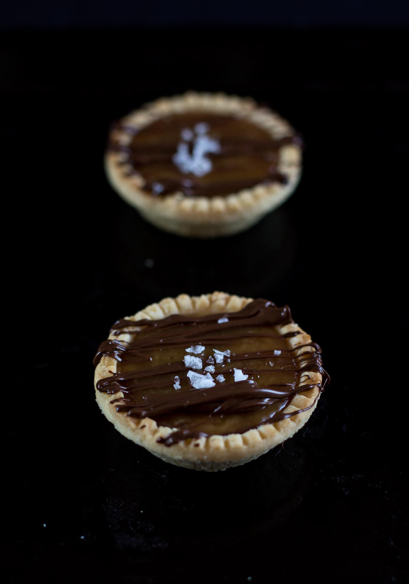 vegan-salted-caramel-tarts1