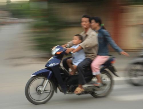 vietnam-motorbikes