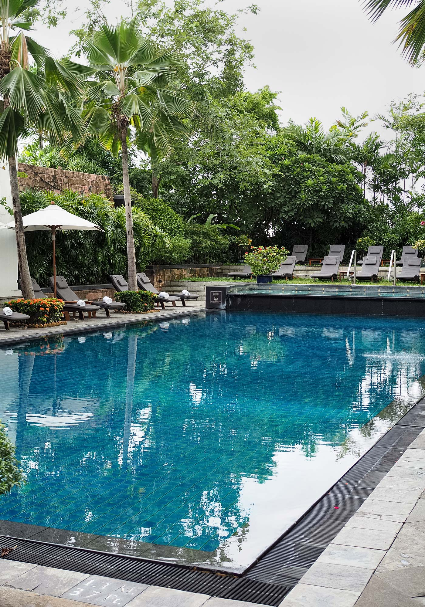 jw_marriott-bangkok-pool