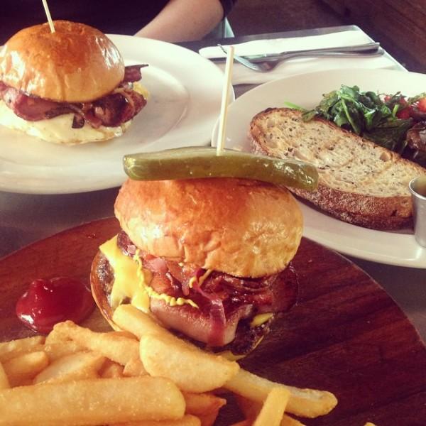 bar-contessa-burger