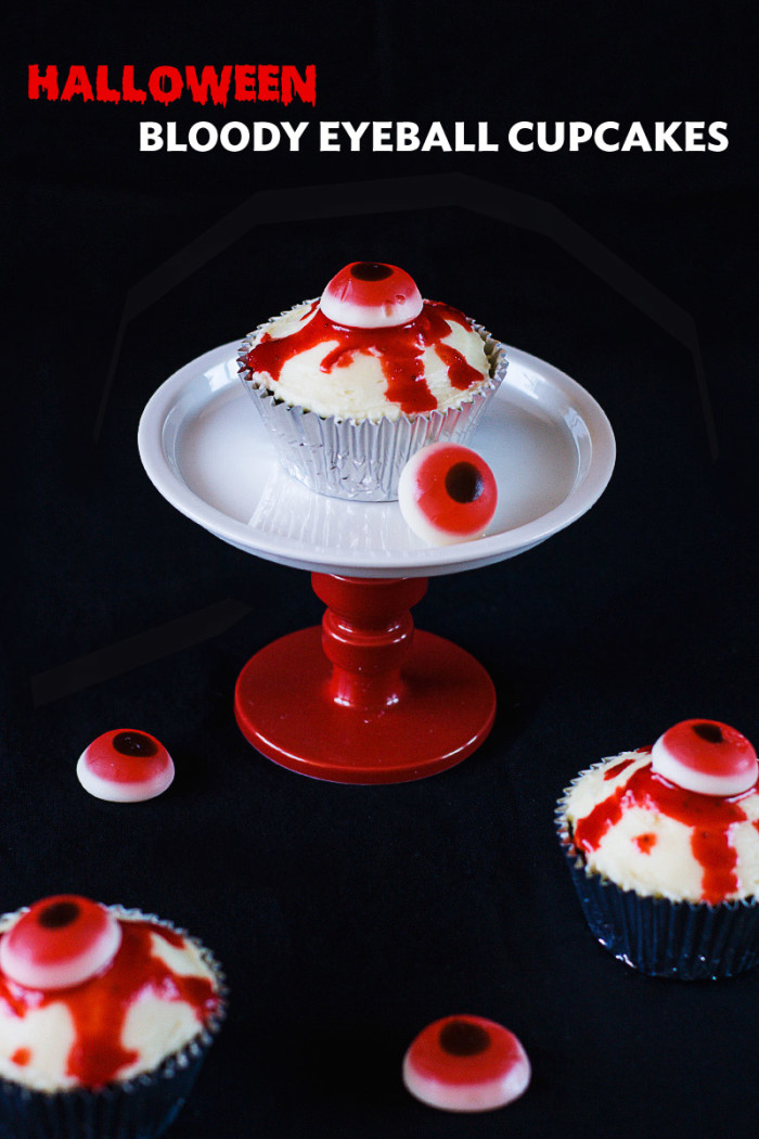bloody-halloween-eyeball-cupcakes