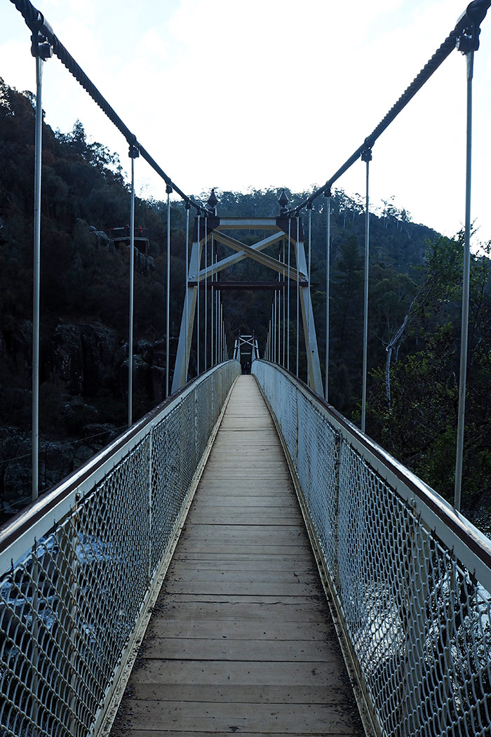 cataract-gorge-suspension-bridge