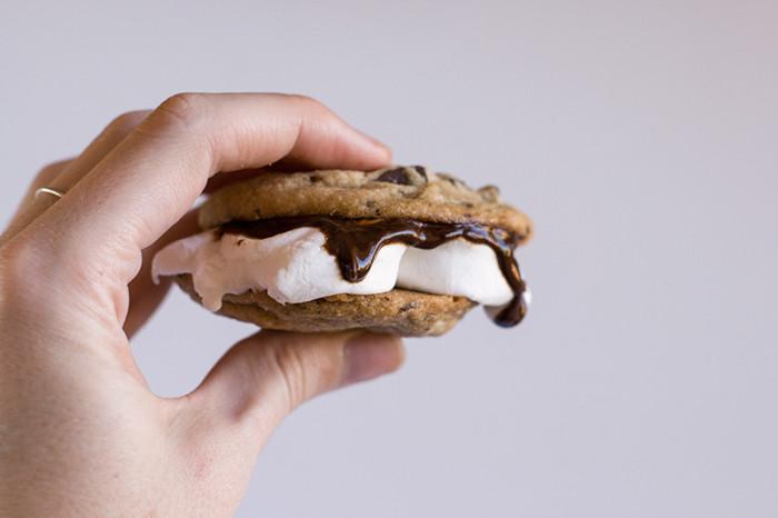 choc-chip-smores-cookie-sandwich2