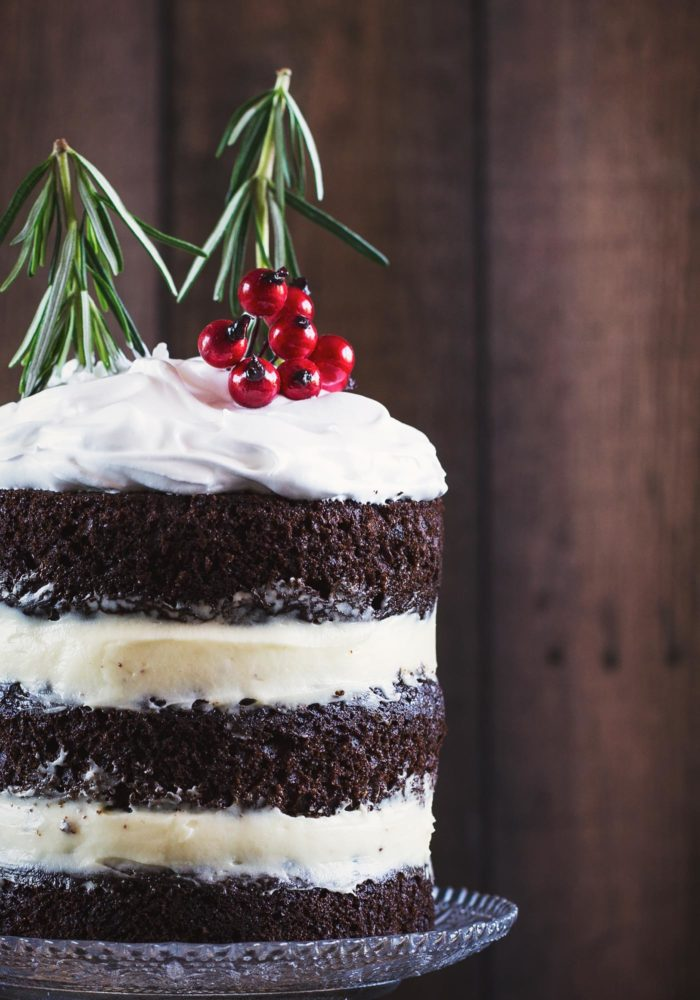 christmas-chocolate-gingerbread-cake-marshmallow-frosting3