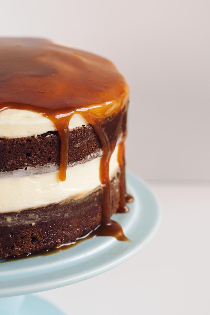 christmas-gingerbread-whiskey-salted-caramel-cake3