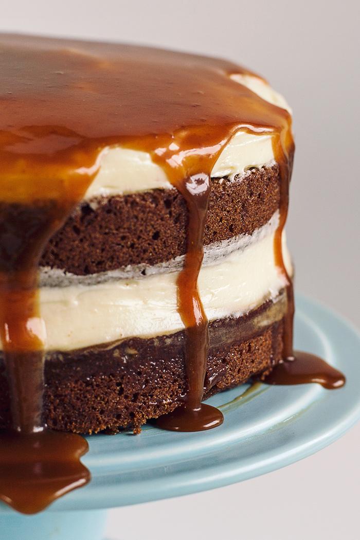 christmas-gingerbread-whiskey-salted-caramel-cake5
