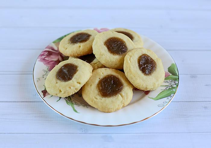 coconut-shortbread-cookies-kaya-jam3
