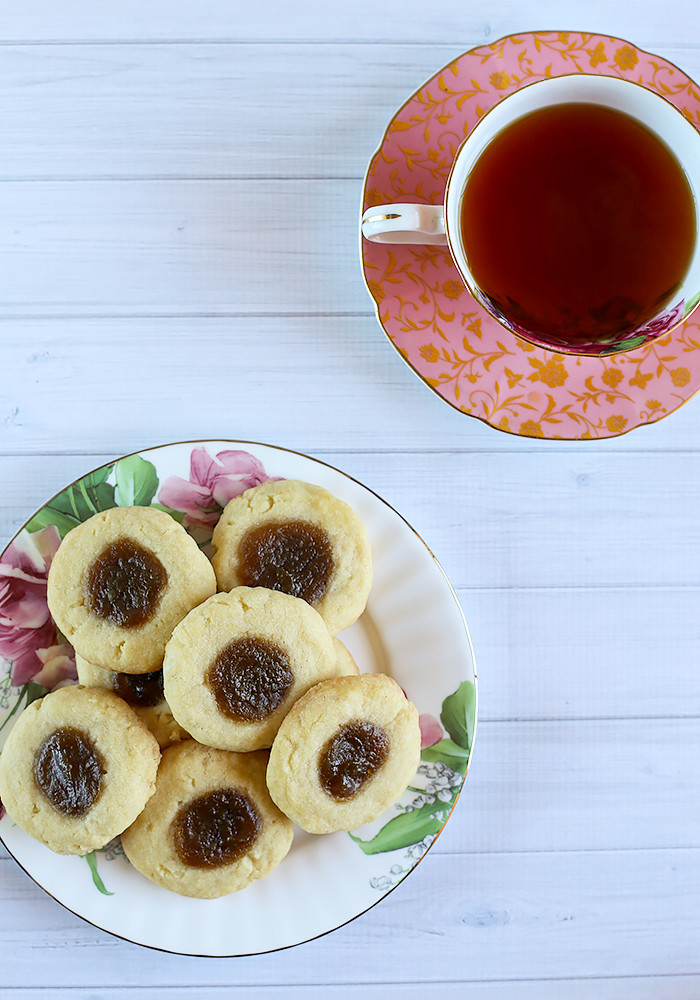 coconut-shortbread-cookies-kaya-jam5