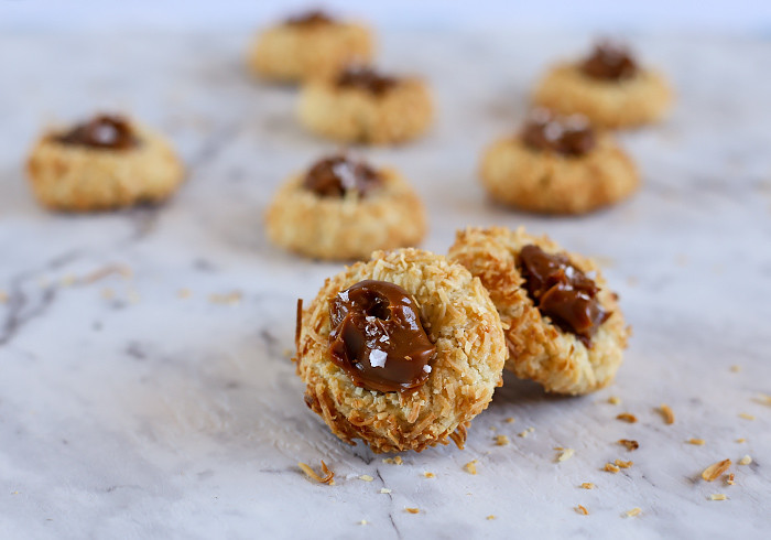 coconut-thumbprint-cookies-with-caramel4