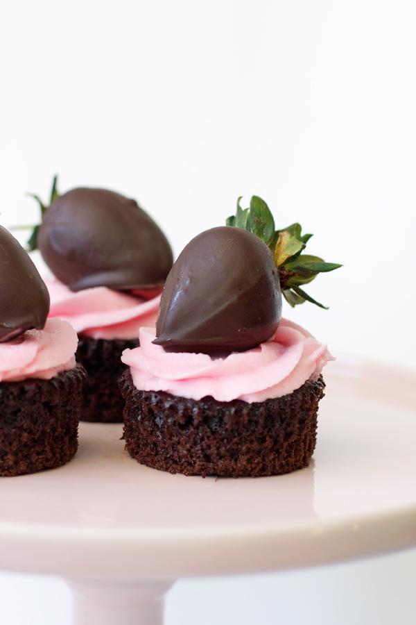 dark-choc-strawberry-cupcakes-6