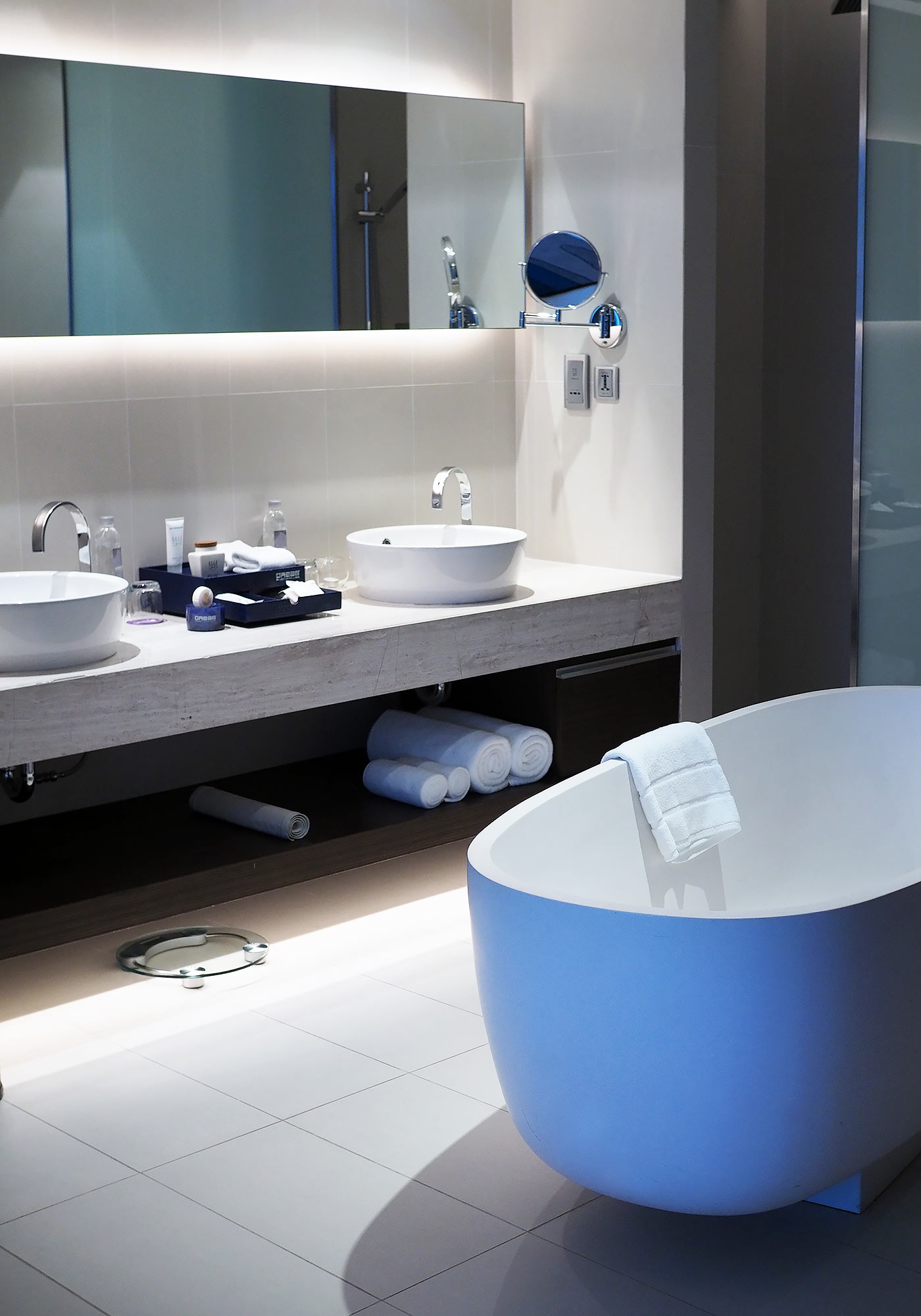 dream-hotel-phuket-bathroom