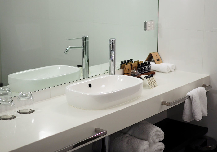east-hotel-bathroom