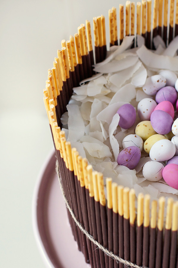 fresh-strawberry-easter-egg-basket-cake5