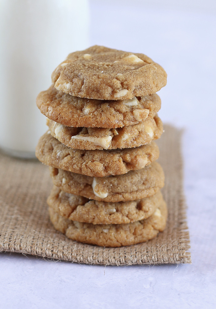 gluten-free-peanut-butter-white-choc-chip-cookies5